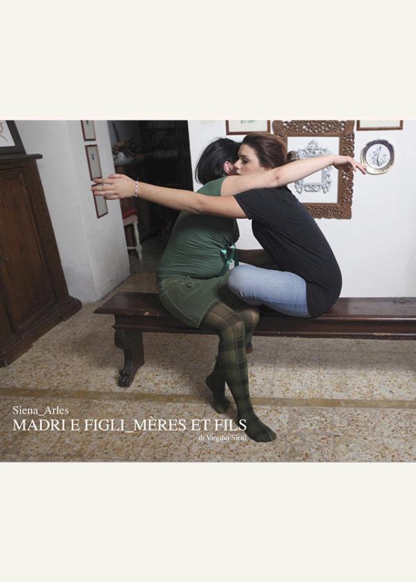 Madri e figli_Mères et fils_maschietto